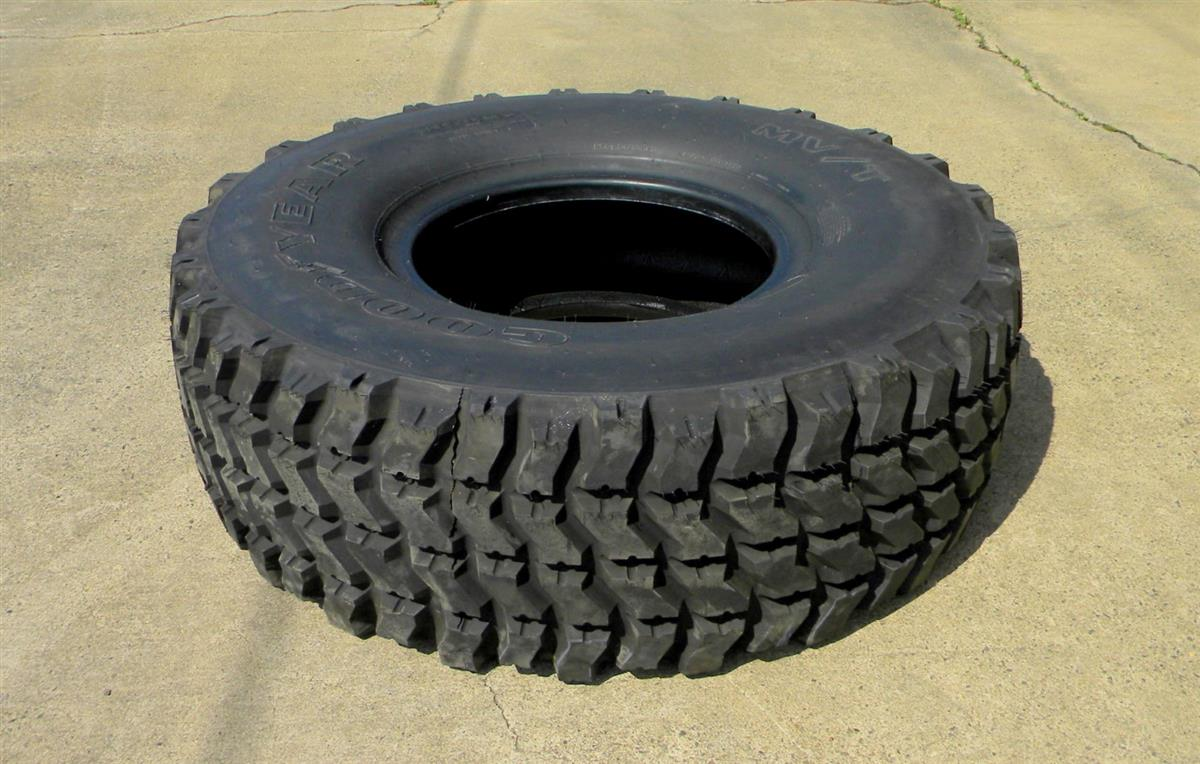 TI-124 | Goodyear MVT 39585R20, 100 pct Tread, Removed off MRAP Wheels. USED. (13).JPG