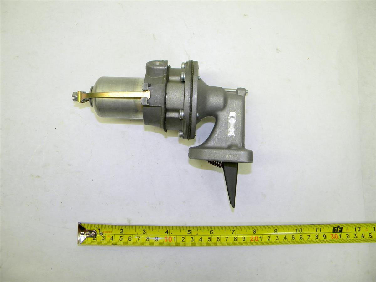 SP-1480 | 2910-00-375-0166 Fuel Pump for 4000 Lb Drawbar Pull Model MHE201 and MHE217. NOS (2).JPG