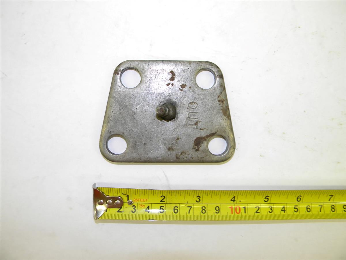 M35-390 | 5340-00-964-8300 Steering Knuckle Access Plate with Grease Zurk (2).JPG