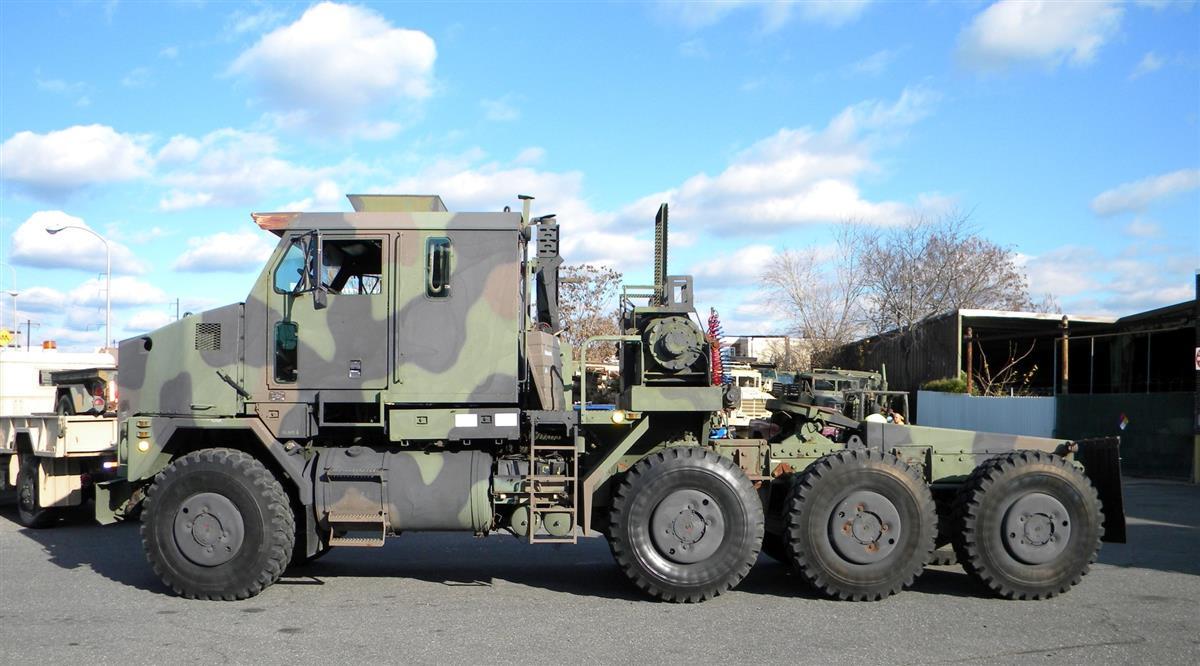 Surplus Army Vehicles For Sale >> Oshkosh M1070 HET (Heavy Equipment Transport) Prime Mover.