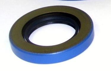 M35-431 | 7539704 Front Winch Seal, Input Shaft Shear Pin End for M35 A1, A2, A3 Series. NEW (2).JPG