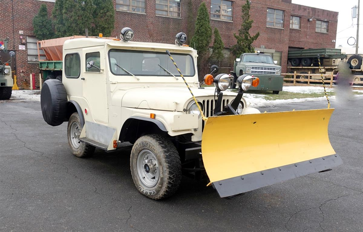 1960 willys 4x4 cj5 jeep with snow plow. Black Bedroom Furniture Sets. Home Design Ideas