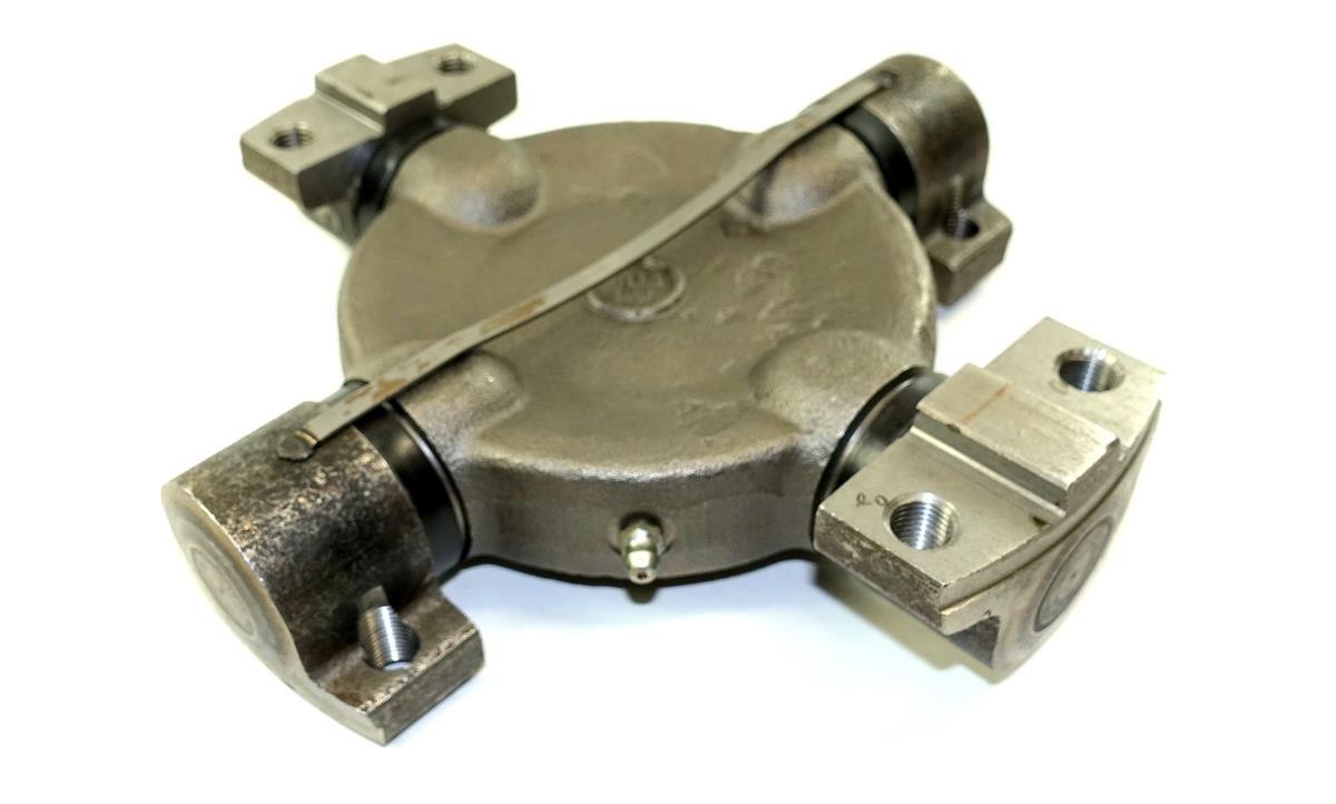 5T-951 | 2520-00-766-7607 Universal Joint (2) (Large).JPG