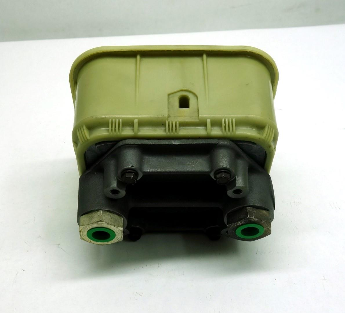 M35-363 | 2530-01-407-7515 Brake Fluid Reservoir (4).JPG