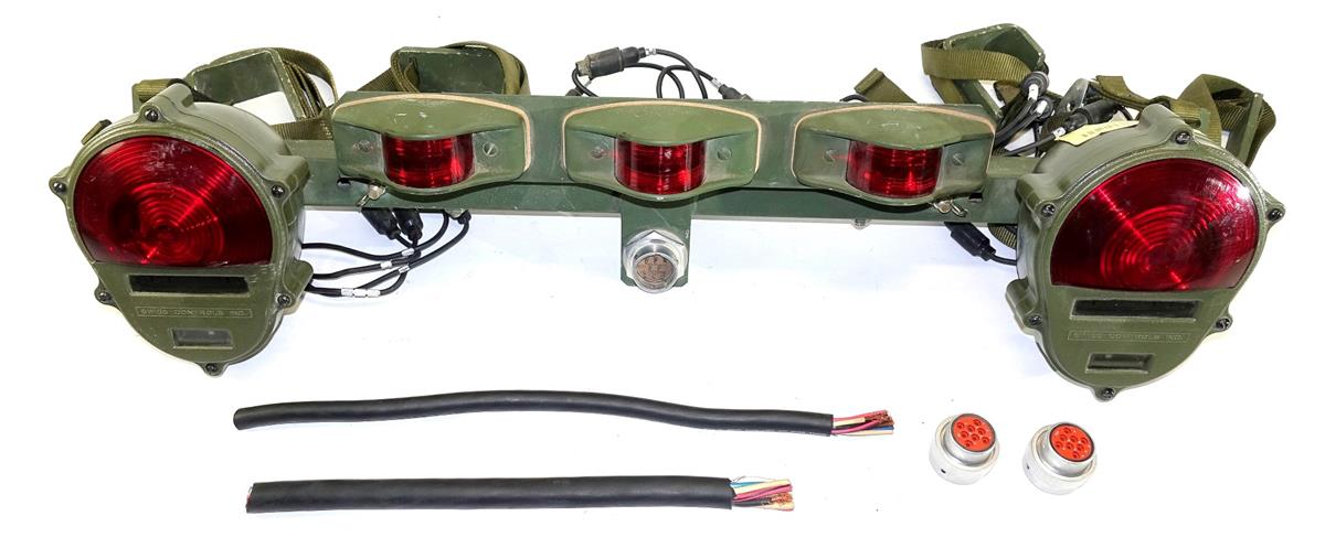 5T-921  | 2590-01-436-9145 M819 Wrecker Tow and Light Assembly NOS (Large).JPG