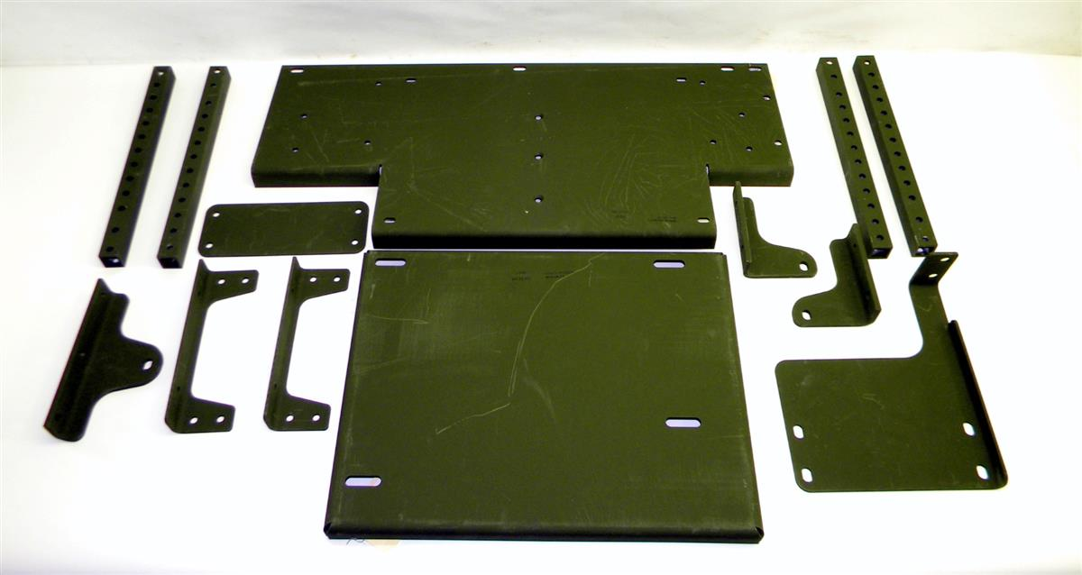 FM-194 | 2590-01-531-9563 Baggage Rack Parts Kit for FMTV NOS (2).JPG