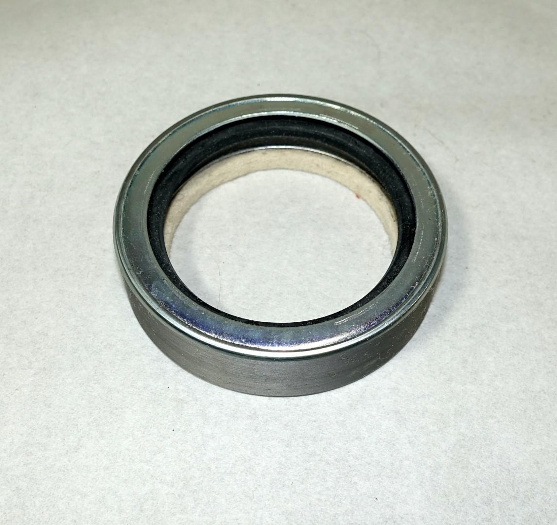 Spicer 3052 / 3053 Transmission Output Shaft Seal for M35A2 Series