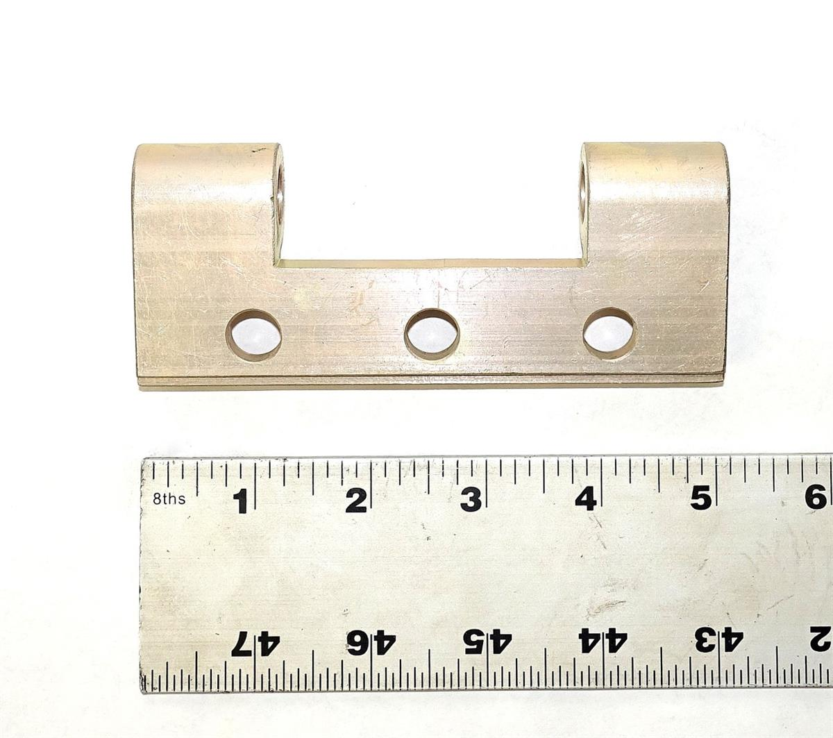 HM-947 | 5340-01-189-7739 Lower Tailgate Hinge (1) (Large).JPG