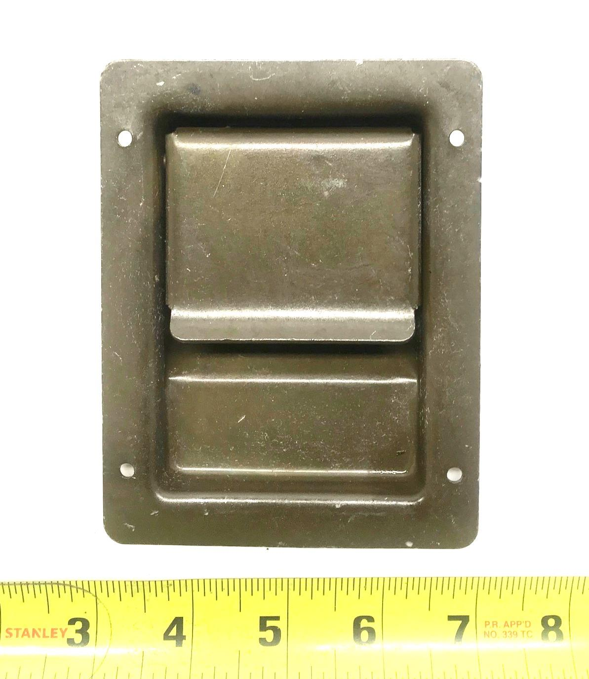 HM-1308 | HM-1308  Ballistic Door Lift Handle HMMWV (4).jpg