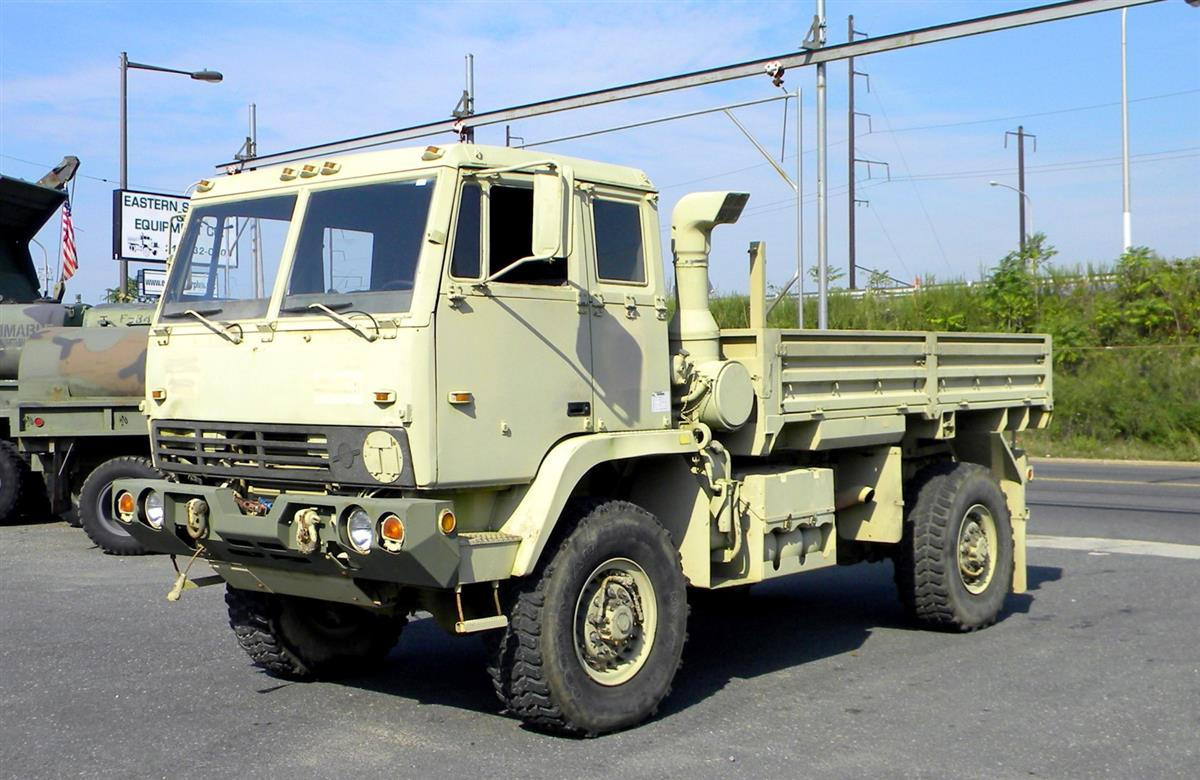 lmtv m1081 2 1  2 ton cargo truck with winch