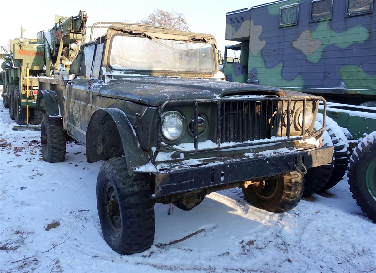 Cropped M Kaiser Jeep on 1967 Kaiser Jeep M715 Parts