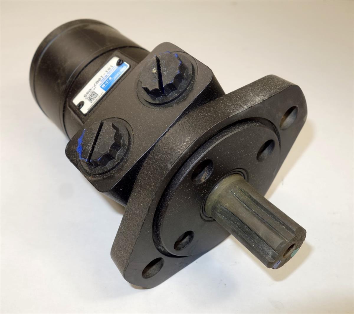 Eaton char lynn hydraulic gerotor spool valve motor for Hydraulic motor spool valve