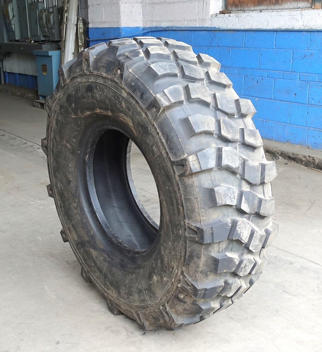 Michelin X Xml 395 85r20 Tire With 50 75 Average Tread Condition Used