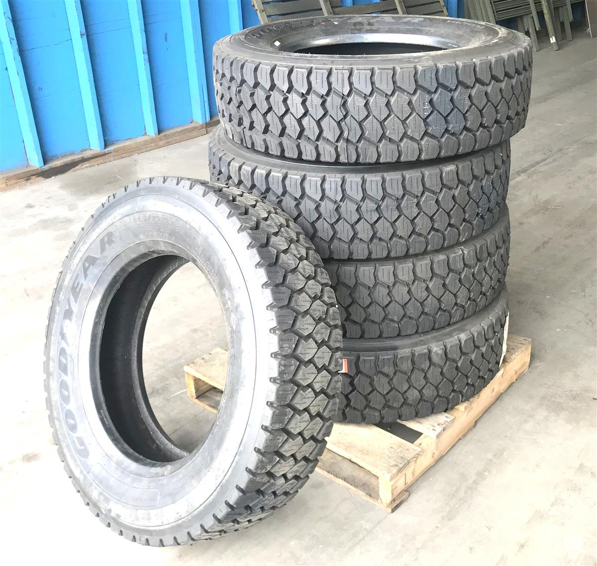 TI-371 | TI-371  Goodyear G622 RSD 24570R19.5 (5 Tire Lot Sale)  (10).JPG