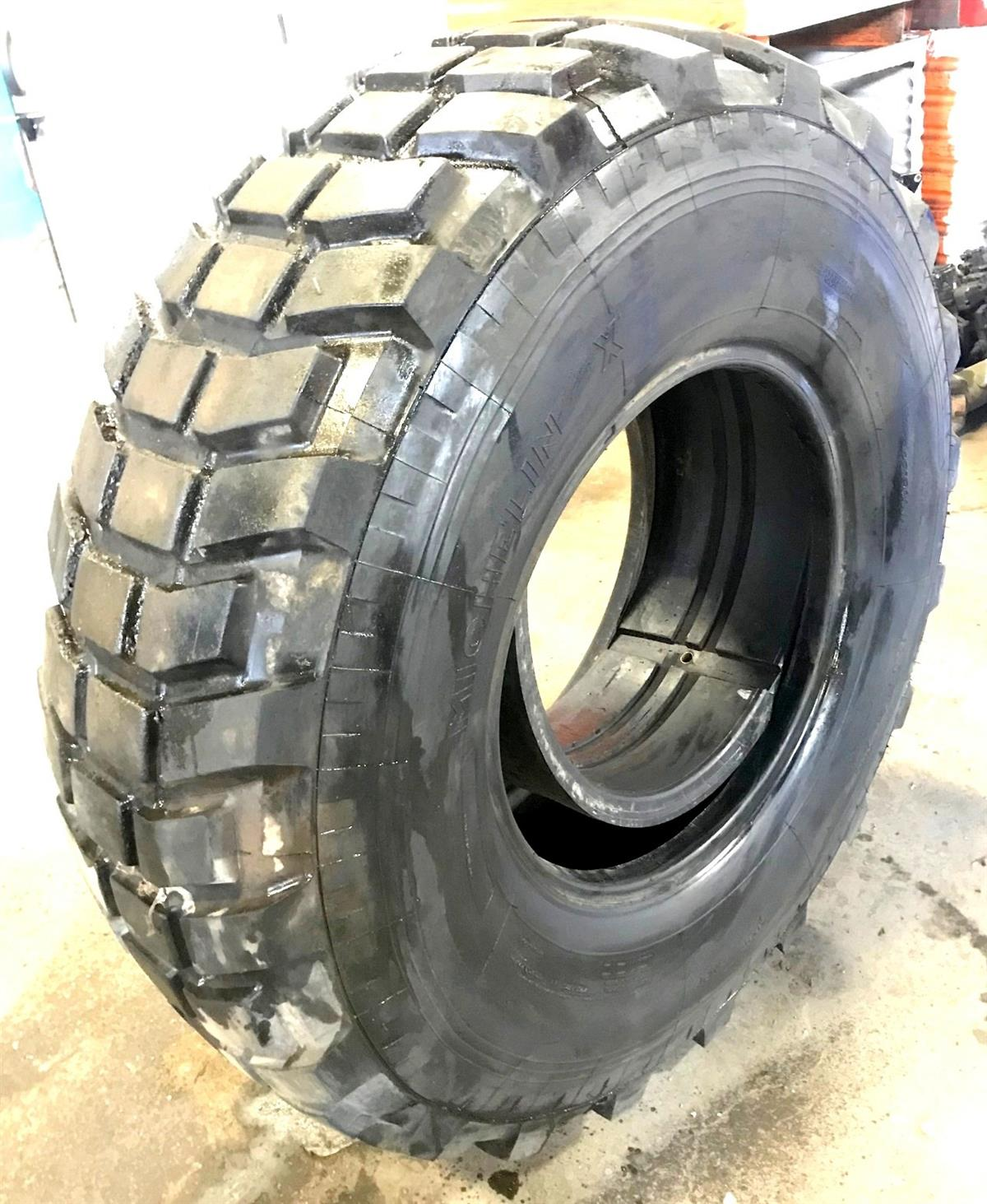 TI-451 | TI-451  Michelin X 14.5R20 Tire (Used)(5).jpg