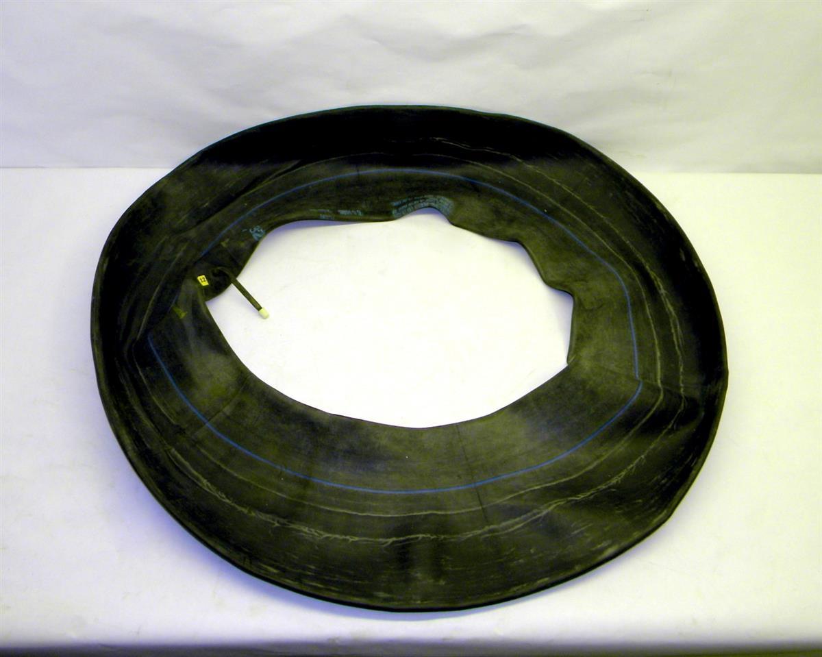 Truck bias tire inner tube with valve stem