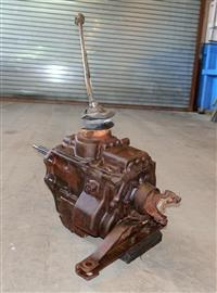 SP-2021 | 2520-00-927-3299 T98 4 Speed Manual Transmission for M715 USED (13).JPG