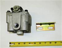 HEM-209 | 2530-01-474-5777 R12 Double C Air Pressure Relay Valve for HEMTT and MK23 NOS (3).JPG