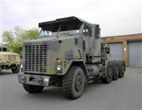 M1070 HET Heavy Equipment Transporter Truck Tractor
