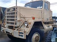 M916 Medium Equipment Transport 5th Wheel Tractor