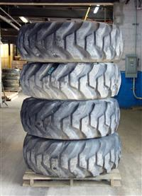 TI-207 | TI-207  Firestone 17.5-25 L-2 Tire Mounted on 12 Hole Rim ( Lot Sale of 4 Tires) (Used) (2).JPG