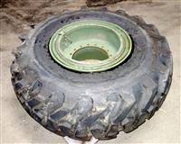 TI-222 | TI-222  Galaxy MPC G-2  L-2 20.5-25 Tire Mounted on 16 Hole Rim (NOS) (3).JPG