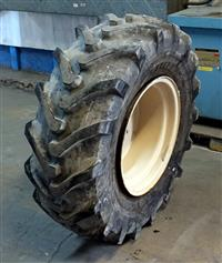 TI-290 | TI-290  Alliance Agro-Industrial 38075R20 Agriculture Tire (Used) (8).JPG